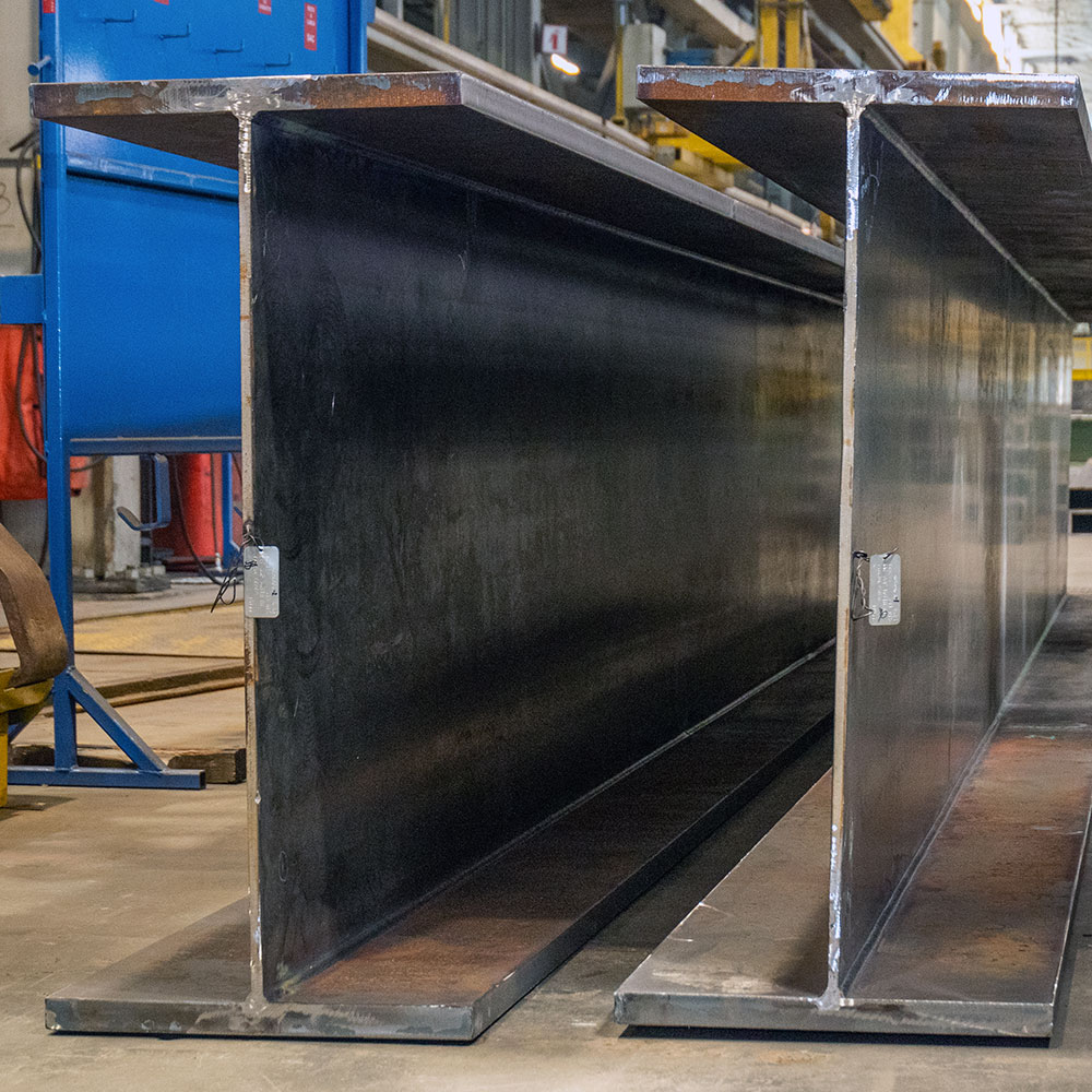 Welded composite plate girder